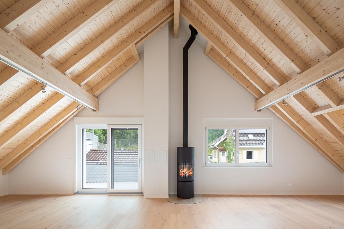 Miete: Dachwohnung an malerisch-ruhiger Lage